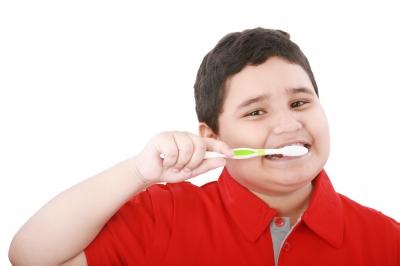 cara-menyikat-gigi