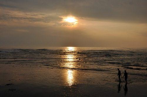 Wisata-Pantai-Anyer