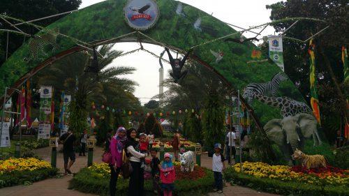 Pintu Masuk Pameran Flora Fauna Jakarta